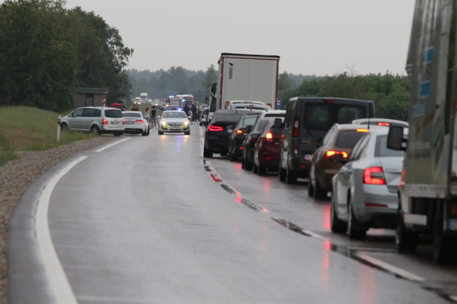 Valsts policija aicina atsaukties ceļu satiksmes negadījuma aculieciniekus