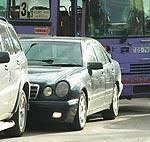 Maršruta autobuss izveido vilcieniņu