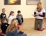 Izveido sadarbību ar dažādu kristīgo konfesiju draudzēm