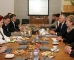 Vadība Dombrovskim prezentē pilsētas attīstībai svarīgus jautājumus