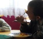 Par valsts naudu varēs ēst ne tikai pirmklasnieki