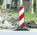 Slēdz satiksmi Alejas ielā