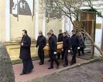 Liepājnieki atvadās no Valda Vikmaņa