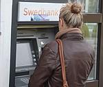 """Papildināts – Atjaunota """"Swedbank"""" internetbankas un karšu darbība"""