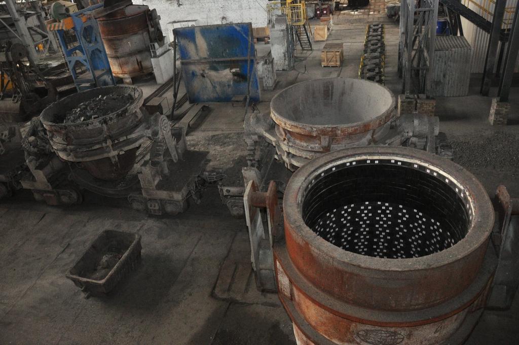 """Birža pievieno papildus nosacījumu """"Liepājas metalurga"""" uzraudzības statusam"""