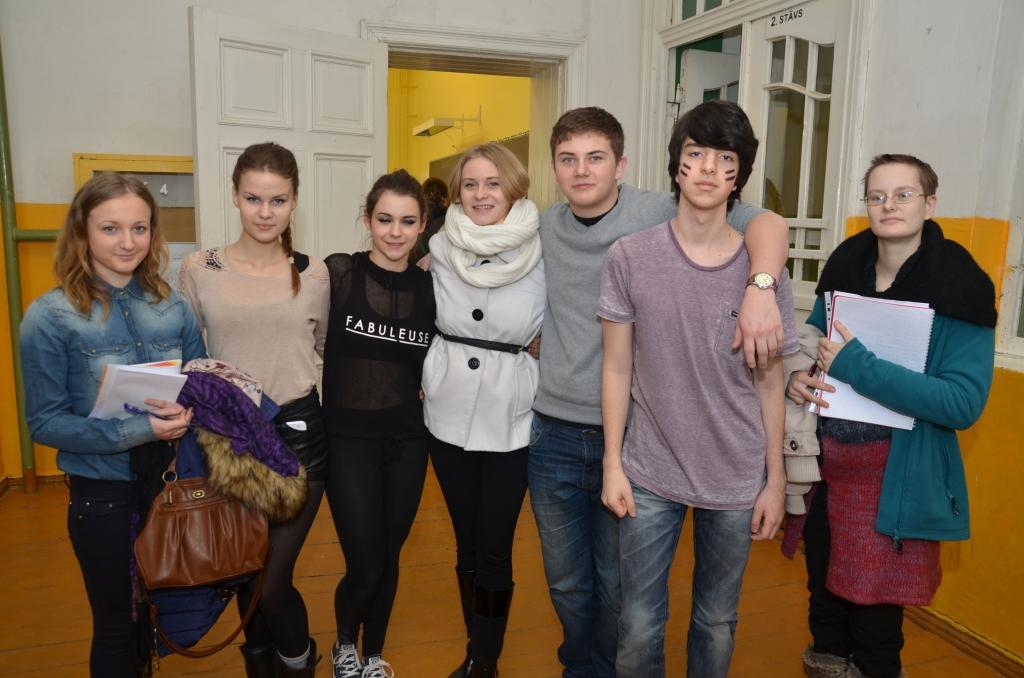 Dažādu valstu jaunieši veido kopīgu priekšnesumu