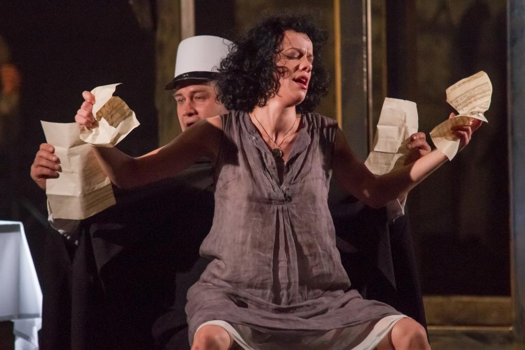 """""""Piafa"""" Liepājas teātrī saņem """"Kilograms kultūras 2013"""" balvu"""