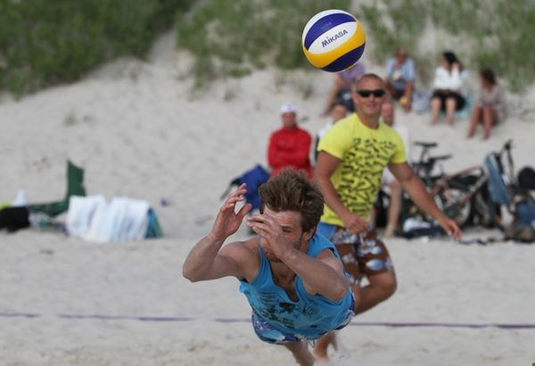 """Kupls dalībnieku skaits """"Vega 1"""" pludmales volejbola līgas 3.posmā"""