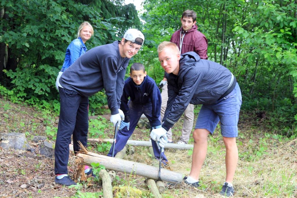 Ar Grobiņas novada pašvaldības atbalstu sāk strādāt 37 skolēni