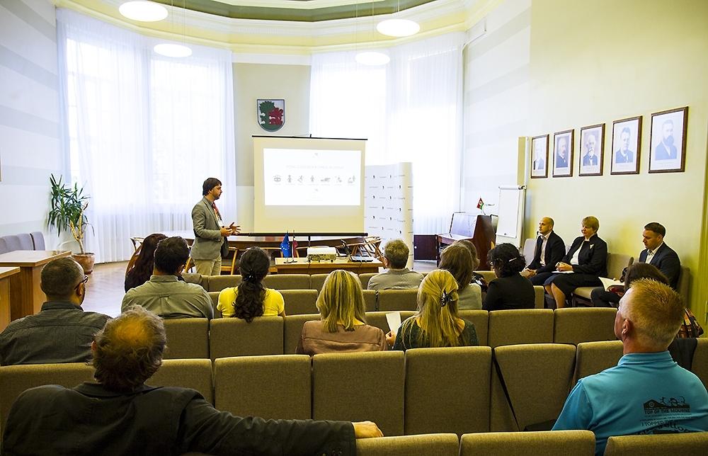 Iepazīst sociālās programmas Liepājā