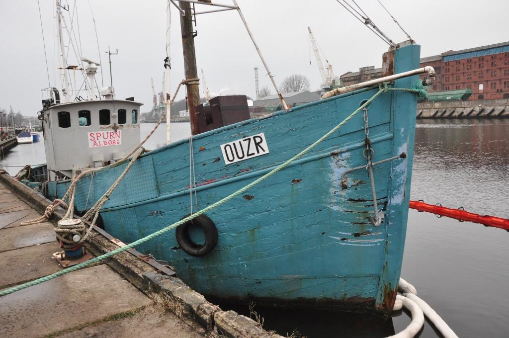 Papildināts – Nogrimušais Fonteina kuģītis izcelts no ūdens