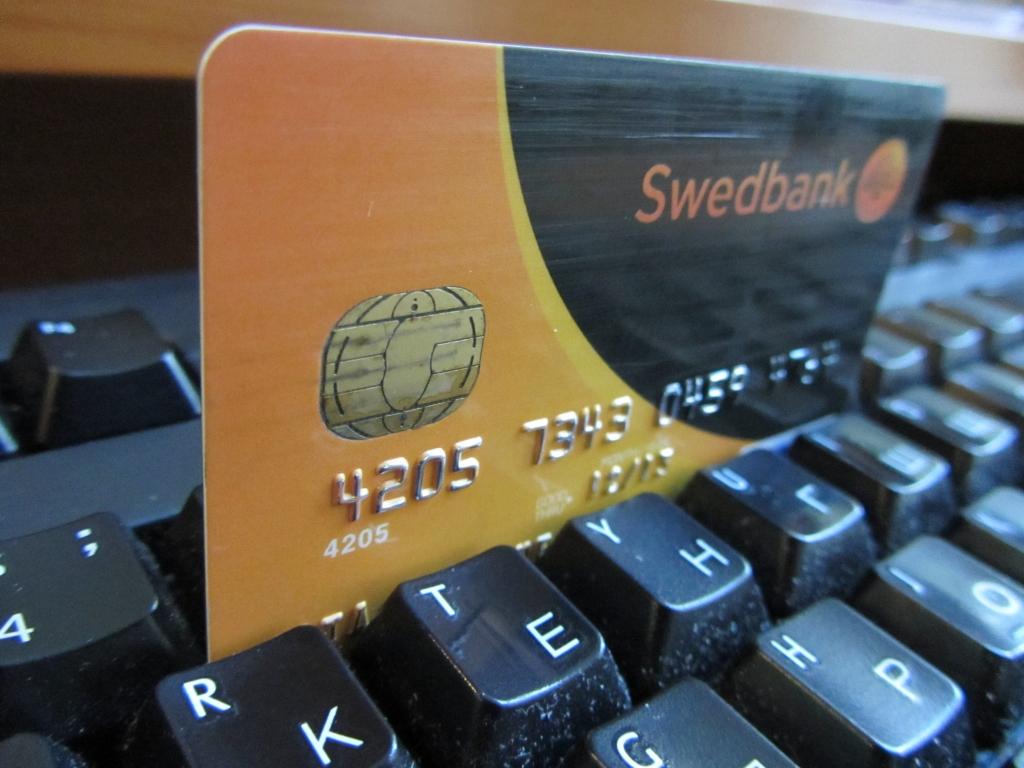 Swedbank filiālē Liepājā notiks akcija uzņēmējiem – klēpjdatoru sagatavošana eID kartes lietošanai