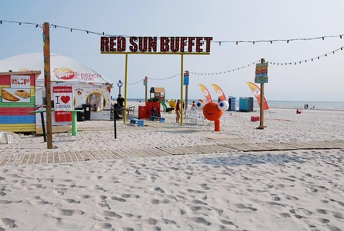 """Red Sun Buffet"" pirmie Latvijā sāk pludmales sezonu"