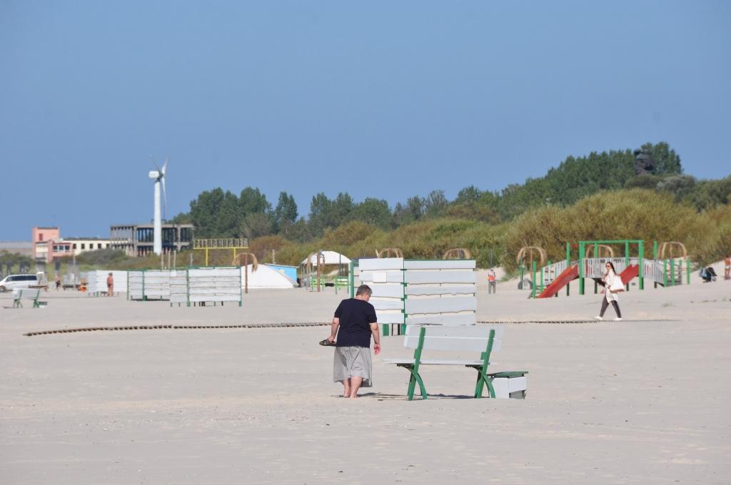 Liepājas pludmale sagatavota atpūtnieku uzņemšanai