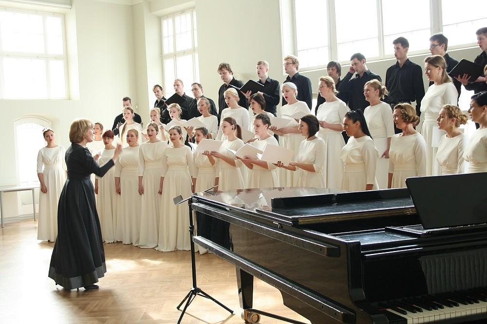 """Jauktie kori """"INTIS"""", """"Līva"""" un sieviešu koris """"Aija"""" piedalās VIII Ziemeļu un Baltijas valstu Dziesmu svētkos"""