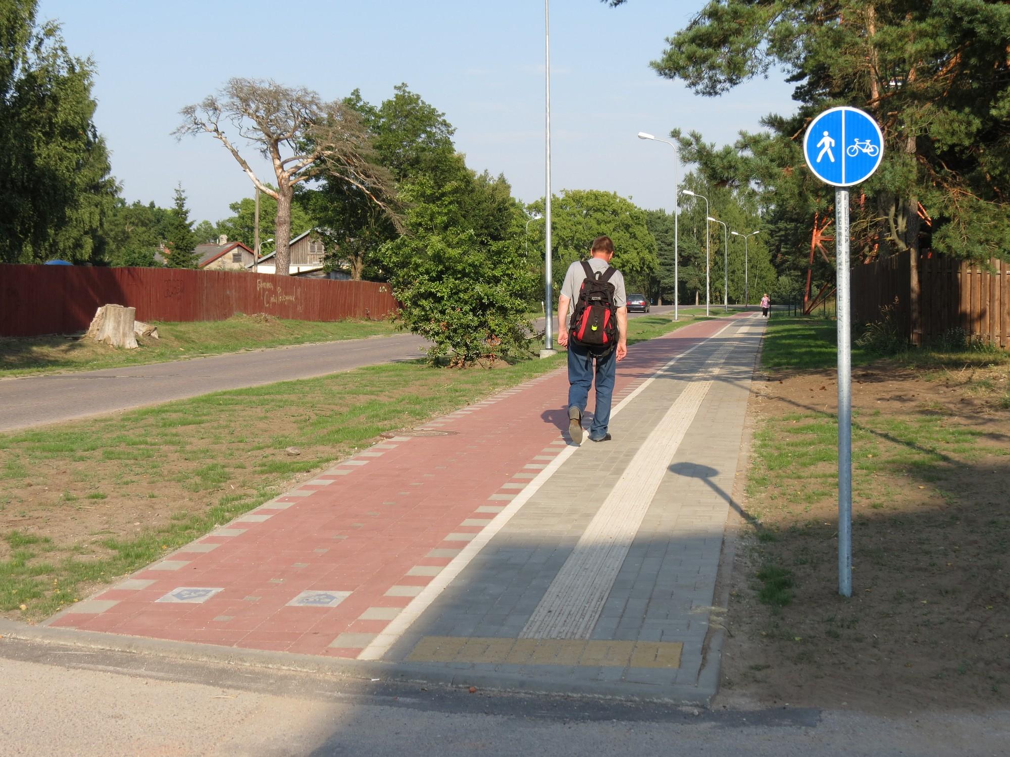 Turaidas ielā uz veloceliņa zīmes uzstādītas ačgārni