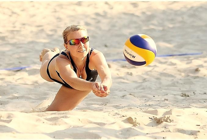"Noskaidroti ""VEGA 1"" pludmales volejbola līgas čempioni"