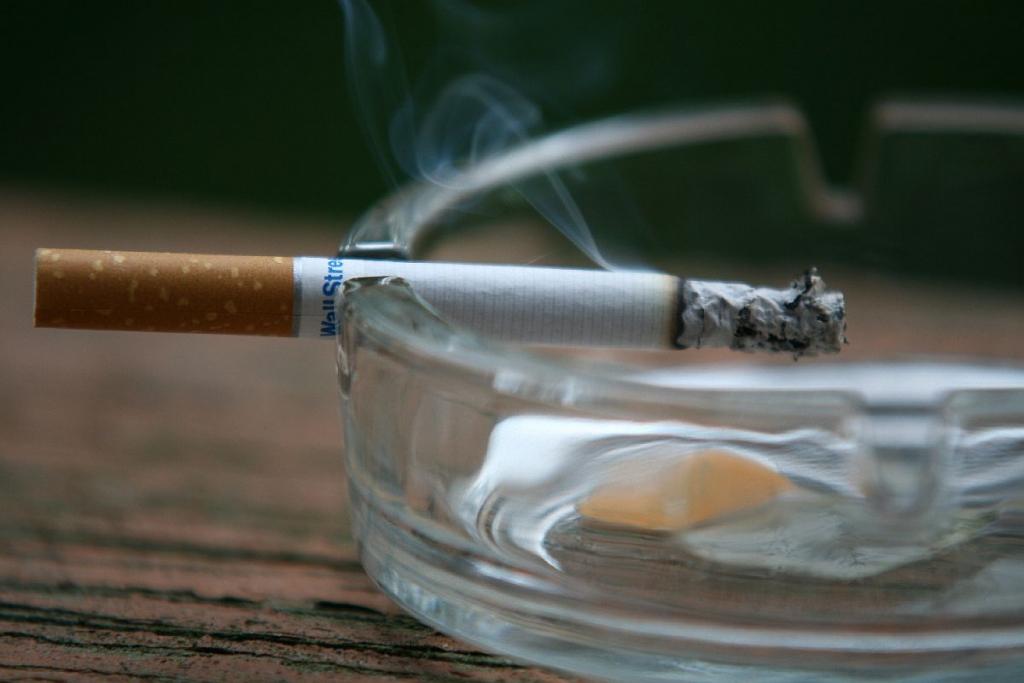 Atsavina cigaretes un alkoholu