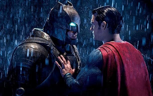 """24. martā pirms pirmizrāde """"Betmens pret Supermenu: Taisnības rītausma"""""""