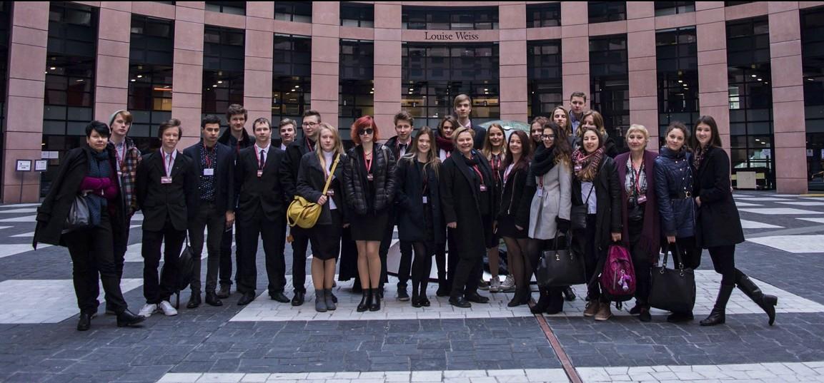 J. Čakstes 10.vidusskolas skolēni gūst pieredzi Strasbūrā