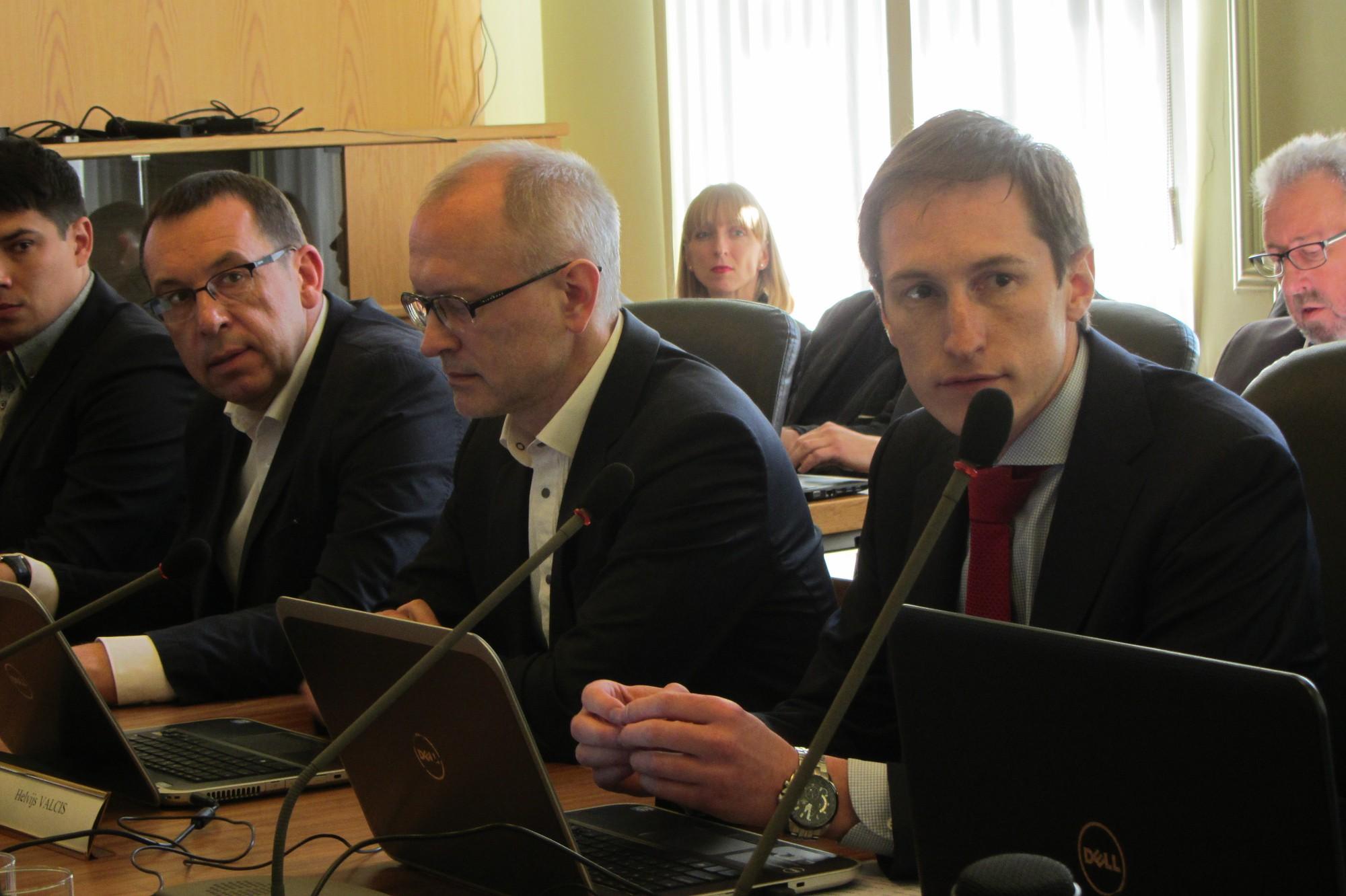 Deputāta pienākumus Liepājas domē sāk pildīt Uldis Hmieļevskis