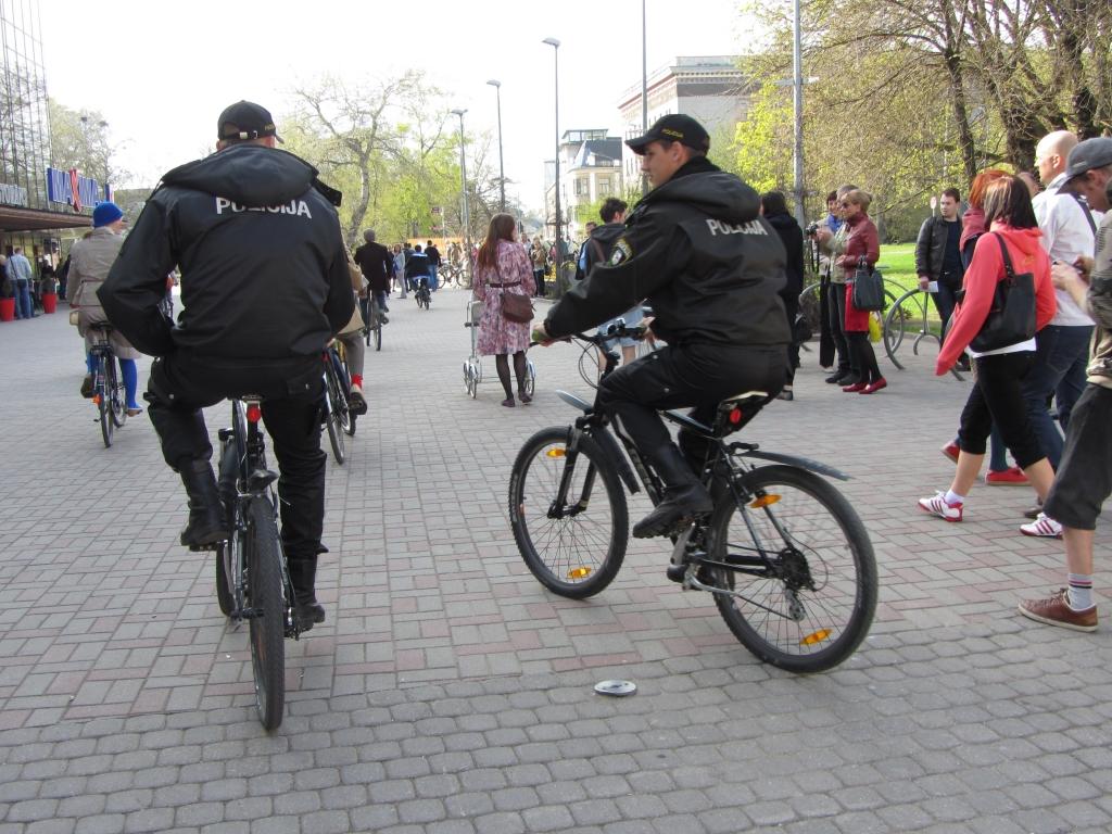 Sezonu sāk policijas velopatruļa