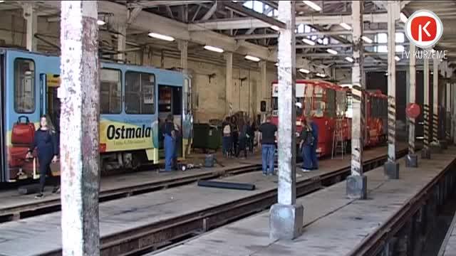 Liepājā top grafiti tramvajs