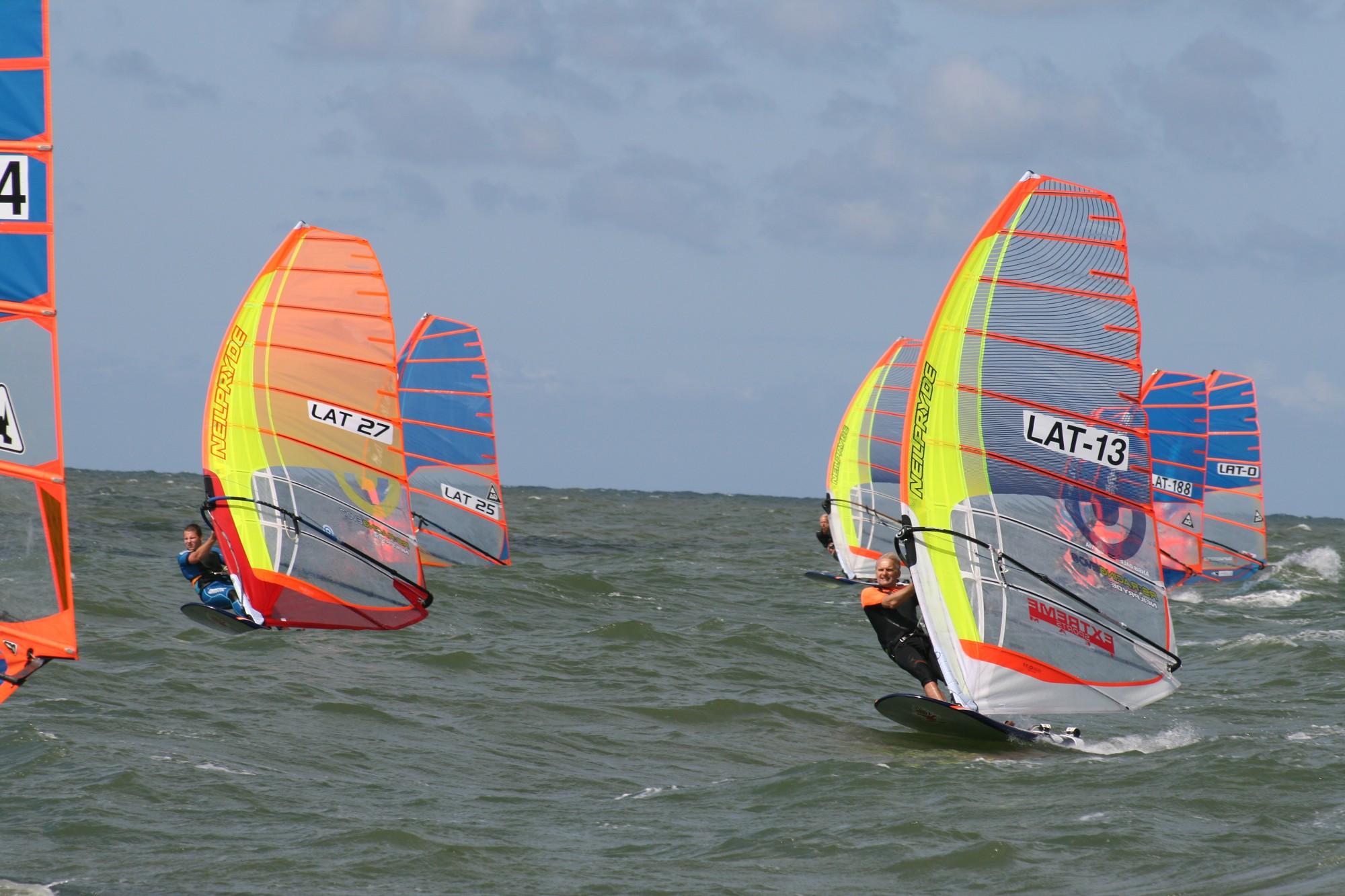 """Nākamnedēļ Liepājā norisināsies Eiropas čempionāts vindsērfingā  """"Formula Windsurfing"""" klasē"""