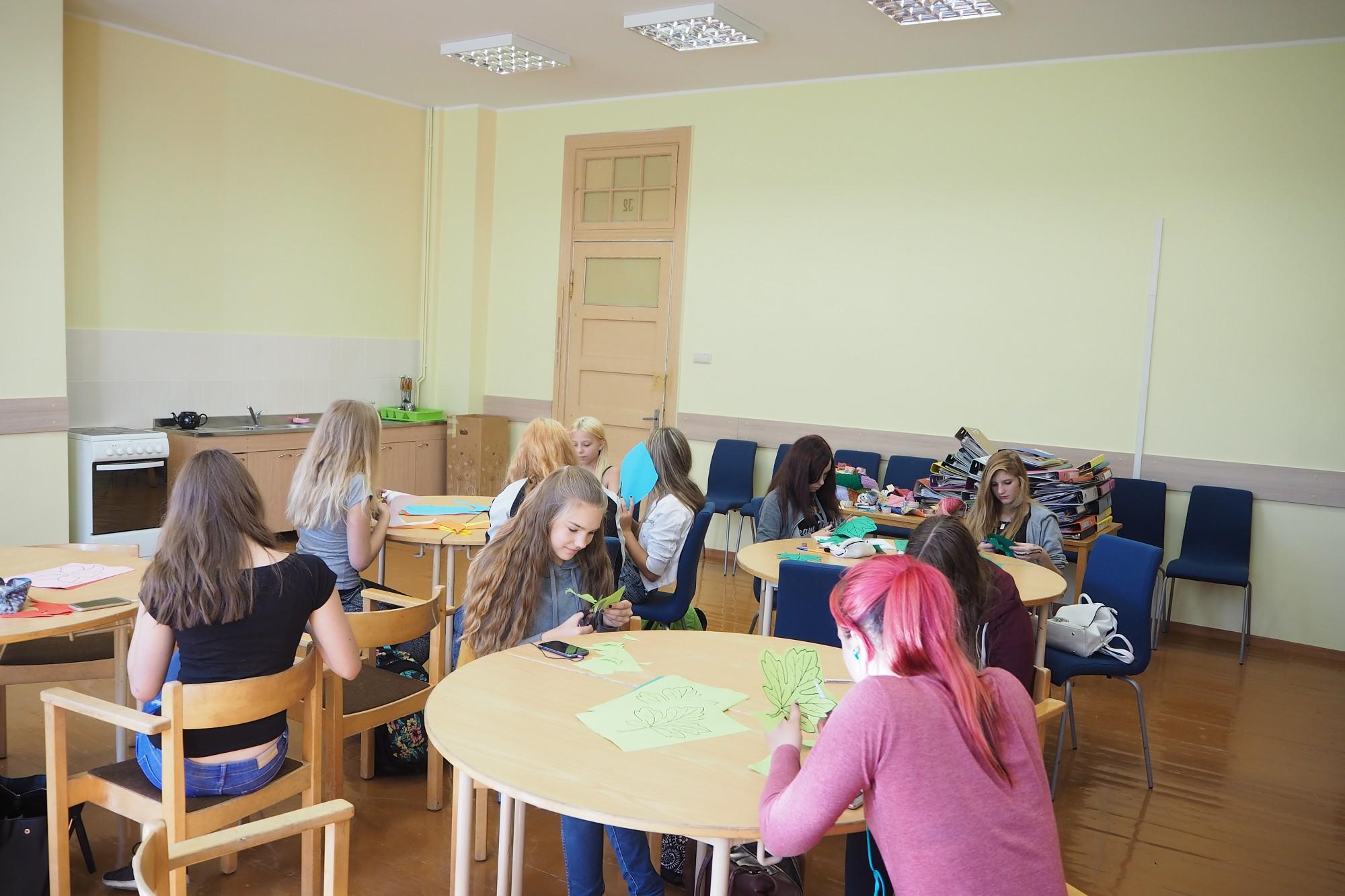 J.Čakstes Liepājas pilsētas 10. vidusskola sagaida 40. jubileju izremontētās telpās