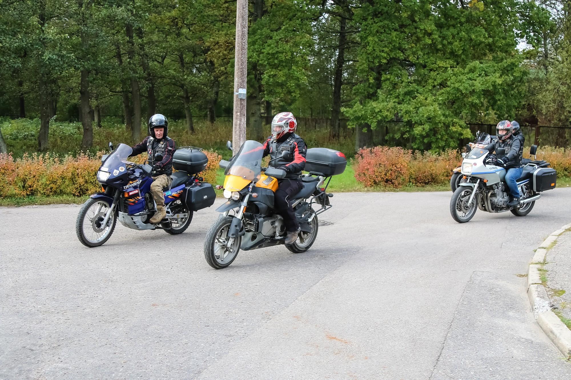 Liepājas motoklubi dāvina Bērnunamam