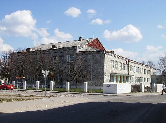 Papildināts – Konceptuāli atbalsta bijušās tehnikuma ēkas pārņemšanu
