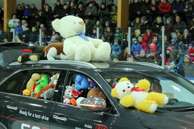 """""""Lāči lido!"""" spēles rotaļlietas priecēs bērnus Liepājā un Ogrē"""