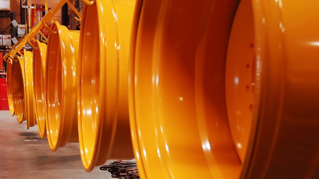 """Zviedrijas uzņēmuma """"Trelleborg Wheels Systems"""" ražotni no Sēvšes pārcels uz Liepāju"""
