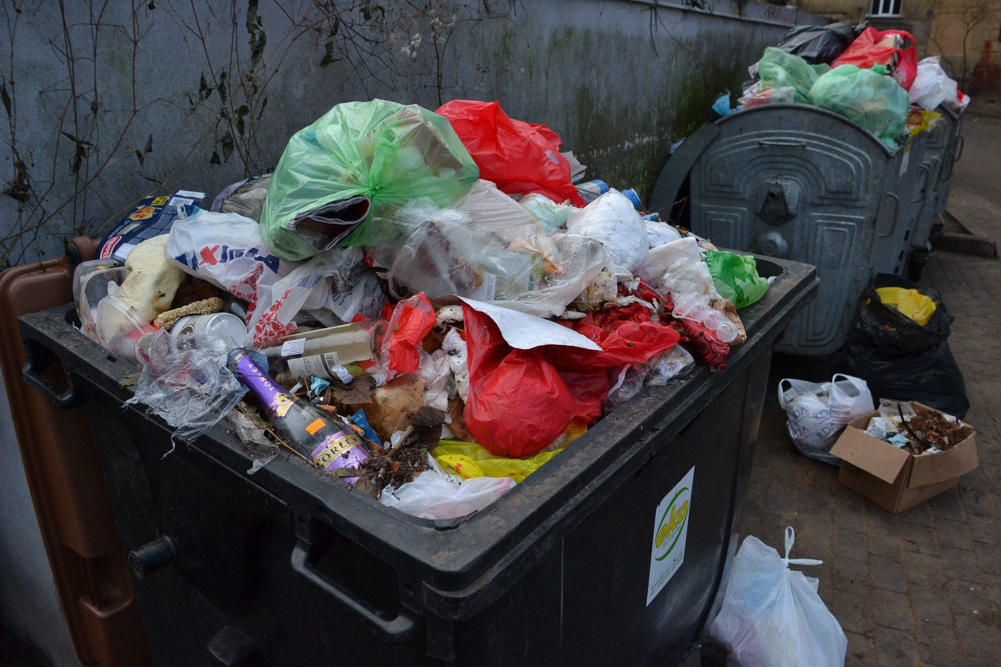 29 daudzdzīvokļu mājas veidos sadzīves atkritumu savākšanas punktus