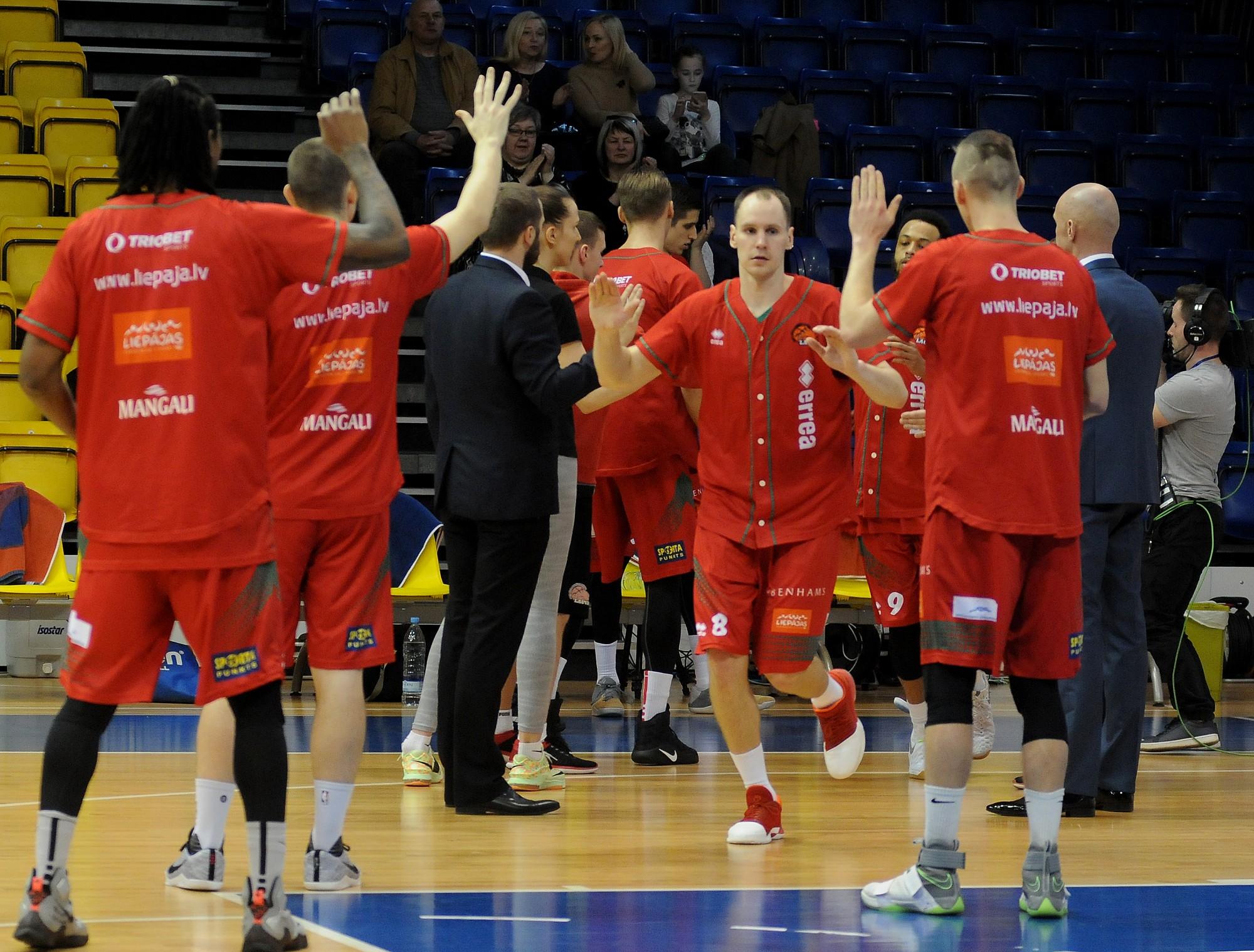 Kurzemes derbijā Liepāja arī ceturto uzvaru atdod Ventspilij