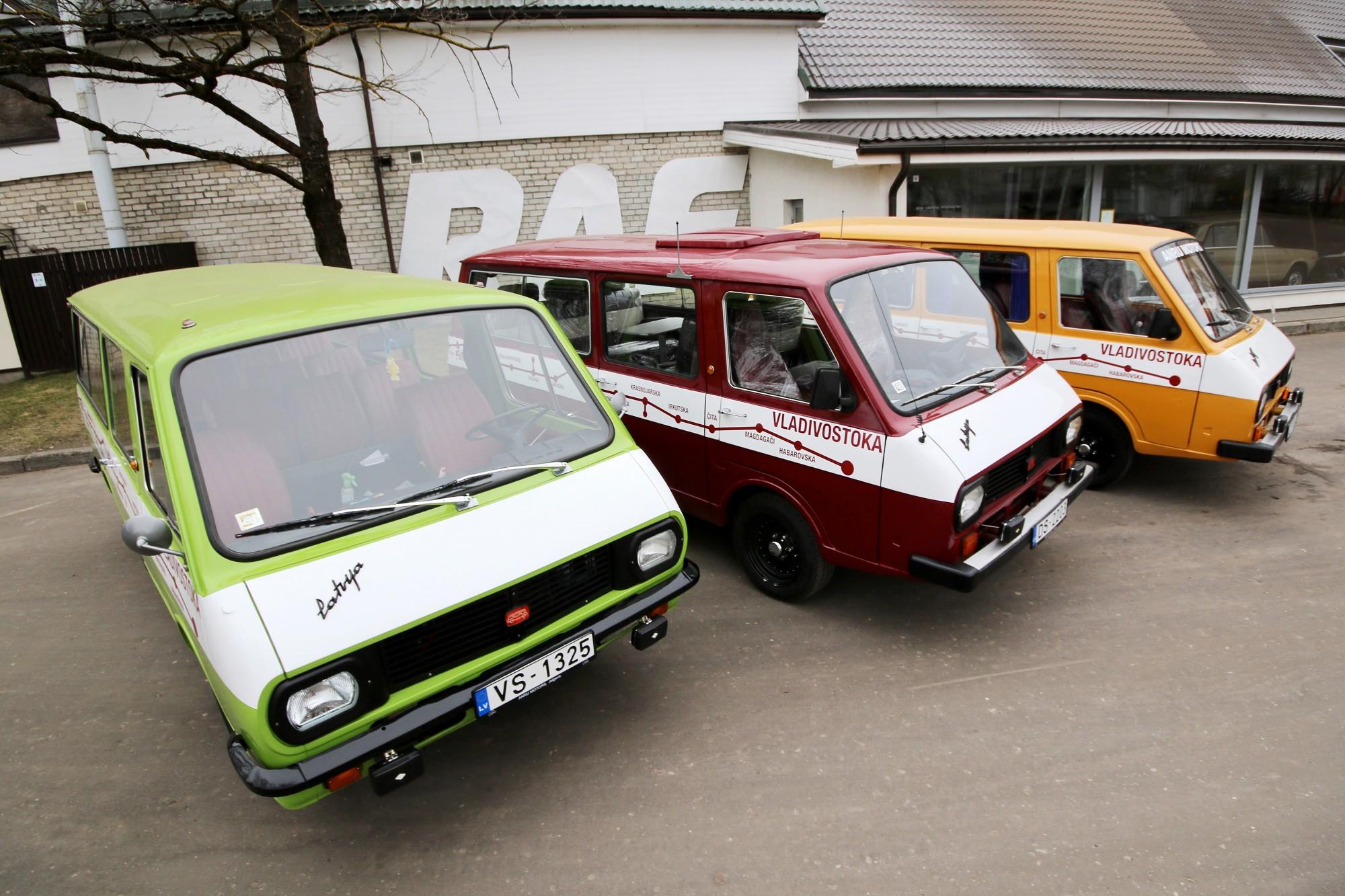 """Ar mikroautobusiem """"Latvija"""" atkārtos 1977.gada ekspedīciju līdz Vladivostokai"""