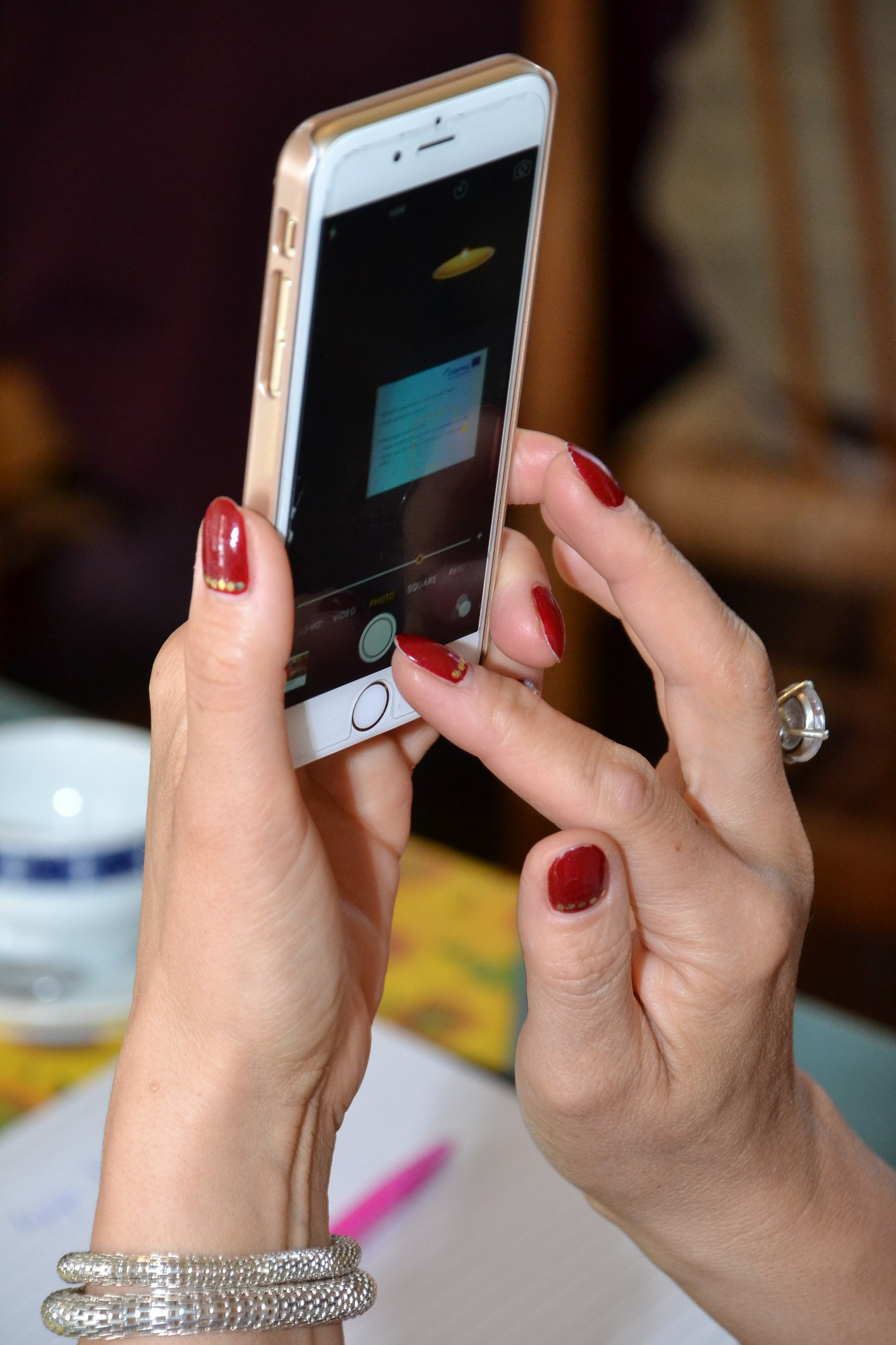 Garnadži iekāro atpūtnieku telefonus
