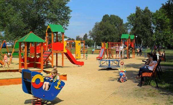 Papildināts – Puikas izraisa ugunsnelaimi bērnudārza teritorijā