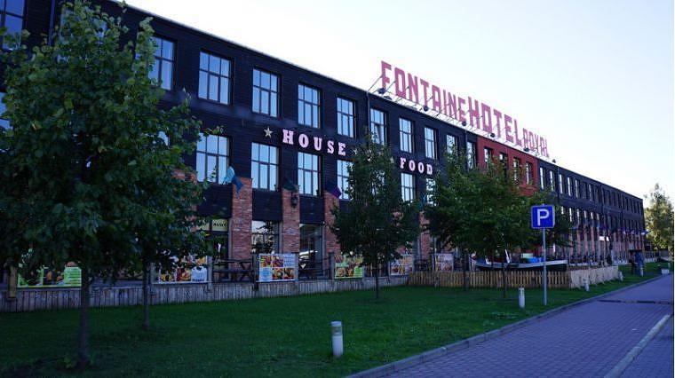 """Par """"Fontaine Royal Hotel"""" ēkas īpašnieku kļūs """"UPB"""" holdinga akcionārs Māris Mors"""