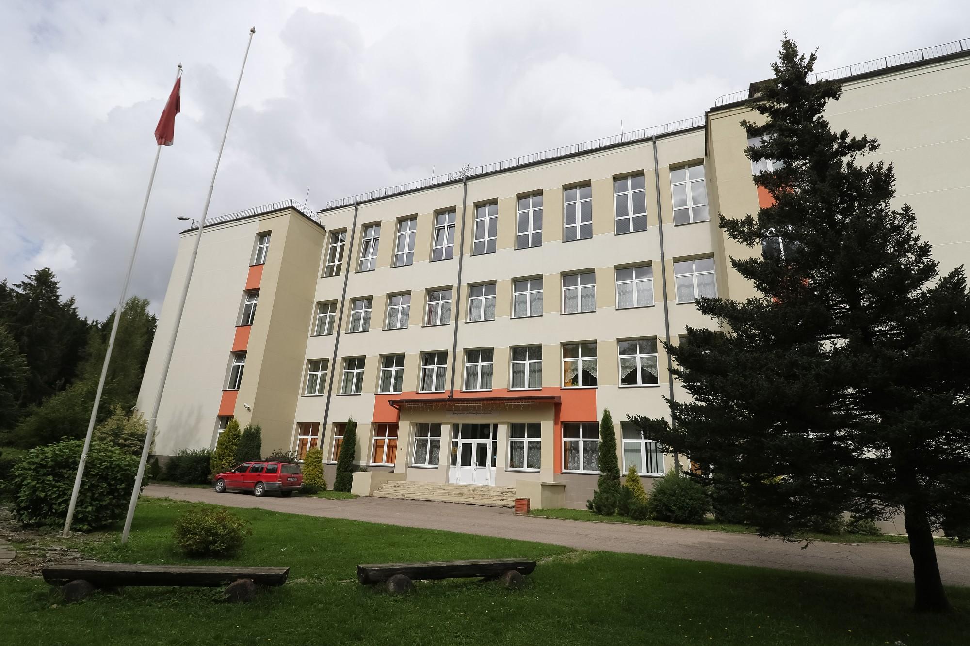 Cīnās par Vaiņodes internātpamatskolas saglabāšanu