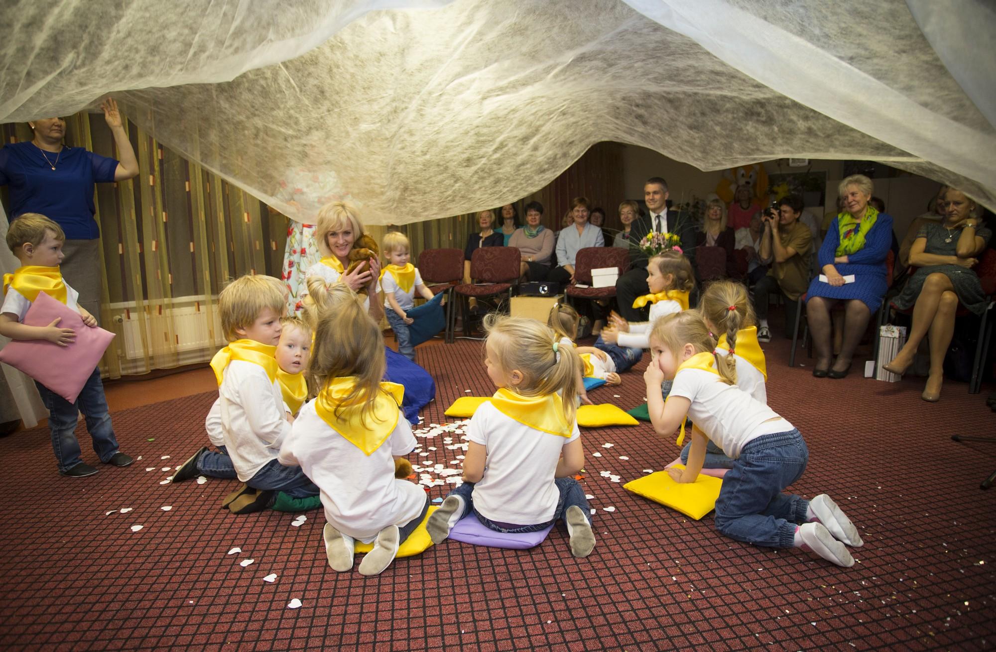 """Bērnudārzs """"Sauleszaķis"""" atzīmē desmit gadu jubileju"""