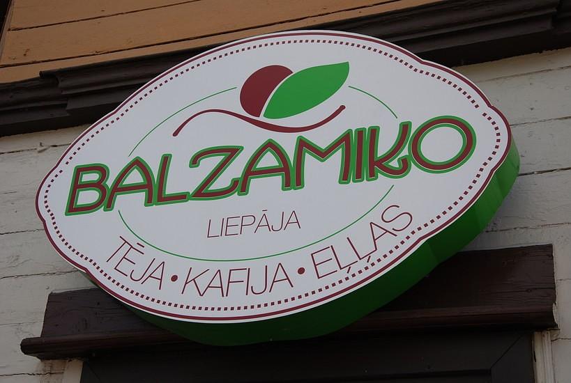 Veikalā ciena valsts valodu