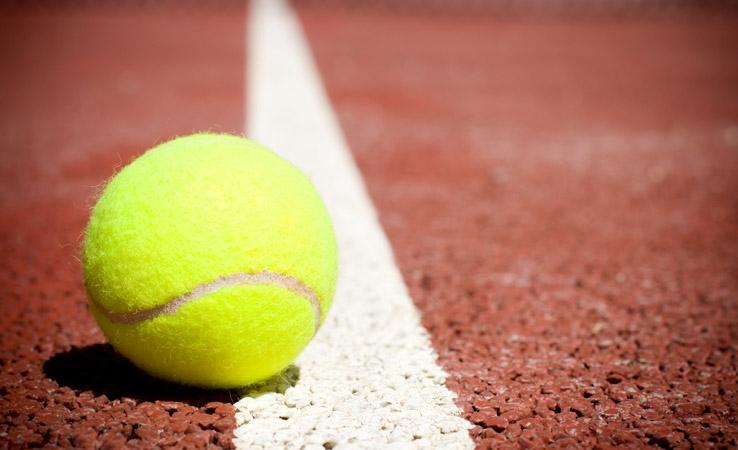 Pārdala Liepājas slēgto tenisa kortu celtniecībā šogad neapgūtos līdzekļus