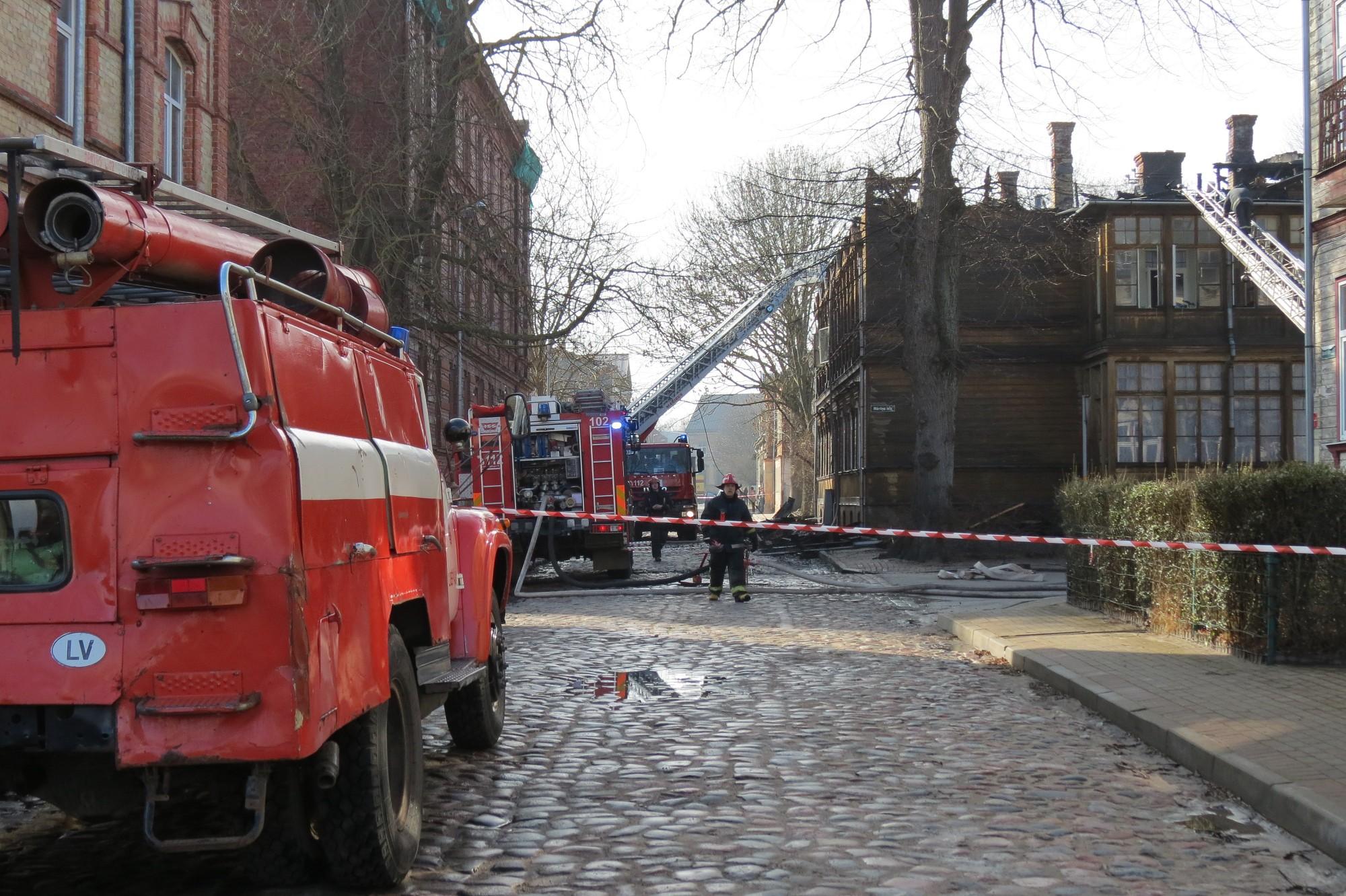 Pērn Liepājā izcēlās 325 ugunsgrēki,; gāja bojā viens cilvēks, cieta 20 cilvēki