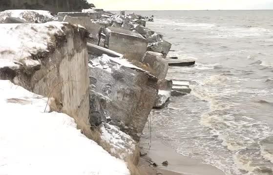 Fortos iznīcinātas brīdinājuma zīmes