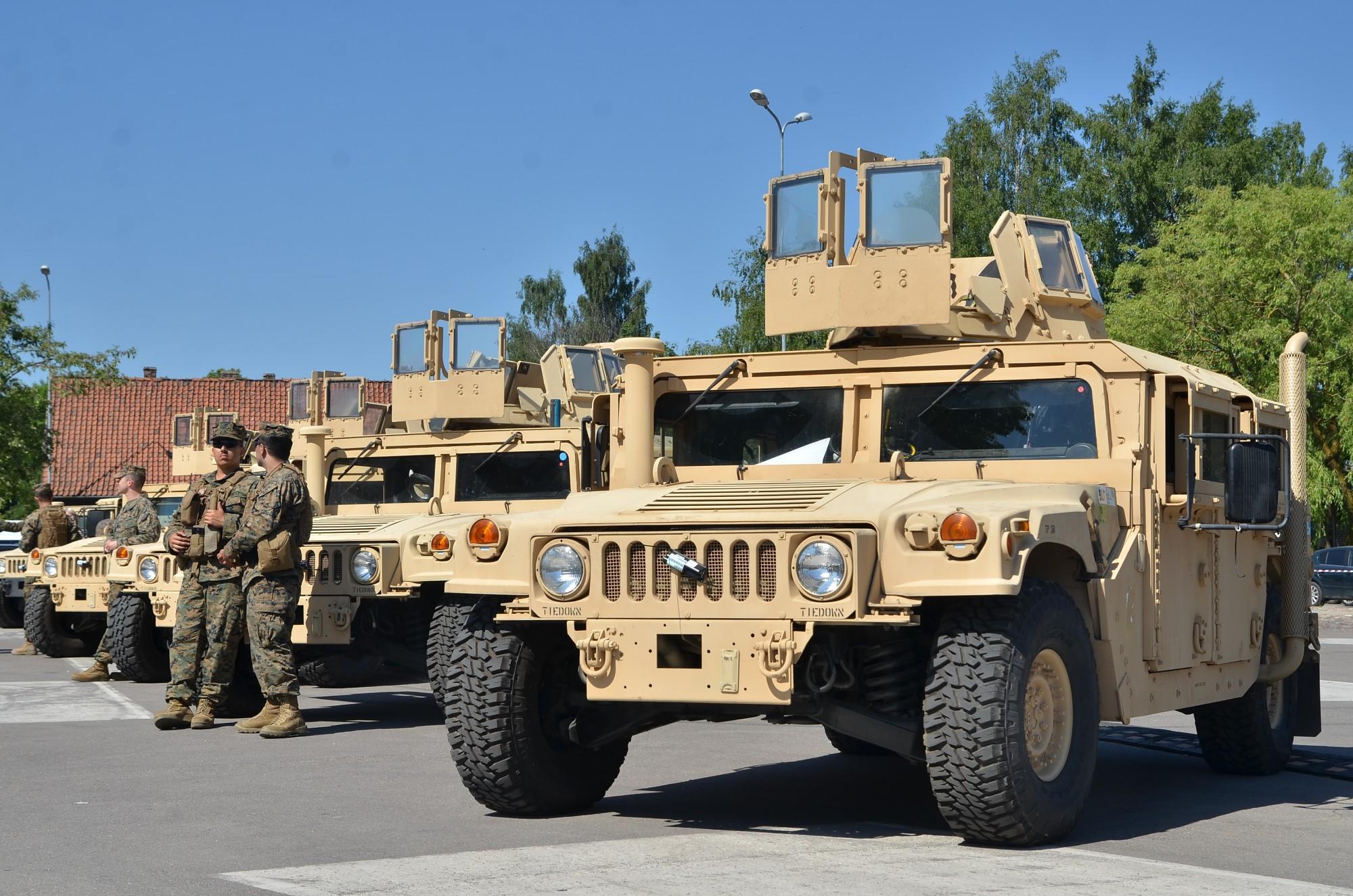 Latvijas armija un sabiedrotie demonstrē muskuļus