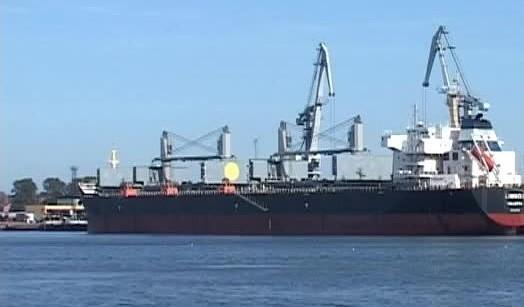Liepājas ostā pieaudzis pārkrauto kravu apjoms