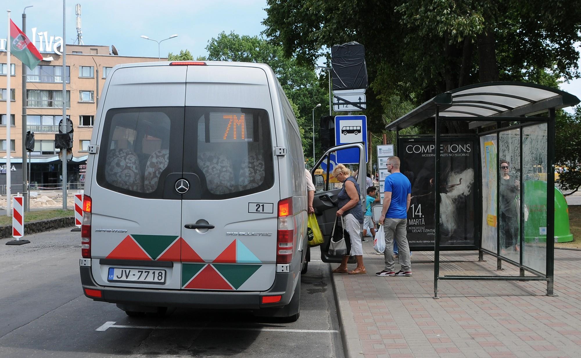 """Šoferis: """"Sūdzības iemesls – runāju latviski!"""""""