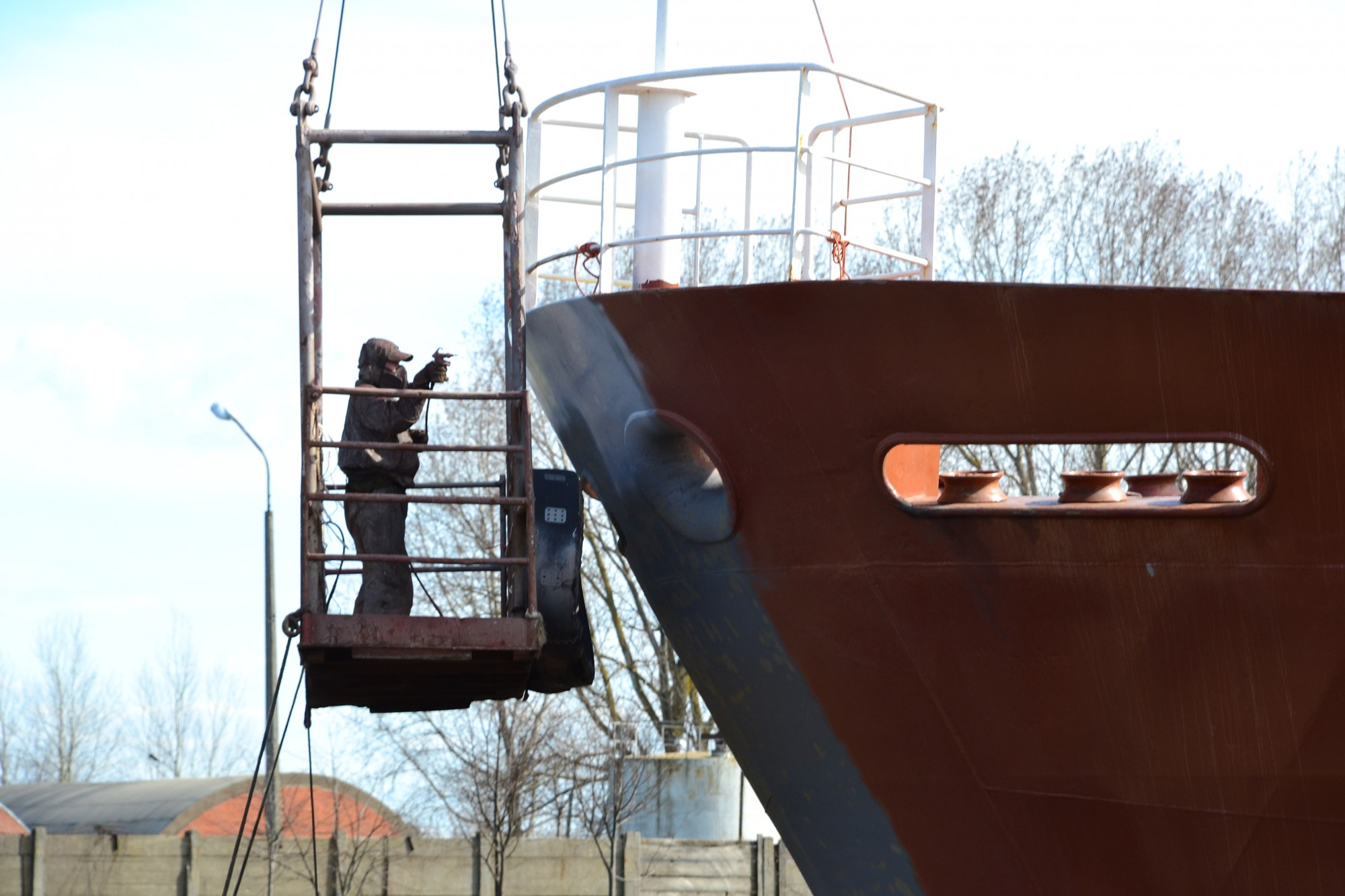"""""""Tosmares kuģubūvētavu"""" atzīst par maksātnespējīgu"""