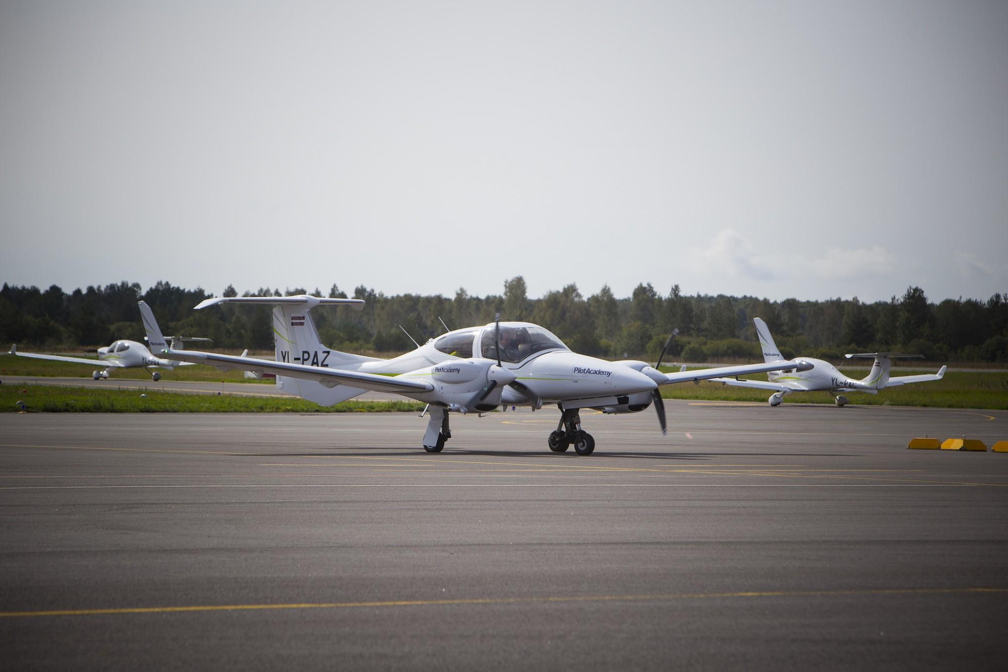 Septembrī pieaudzis apkalpoto pasažieru skaits Liepājas lidostā